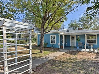 Quaint Glendale Home - Walk 6 Blocks to Downtown!