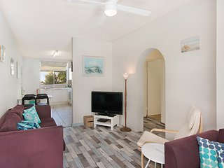 Cooly Central 3 - Affordable Beachside Unit