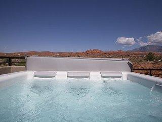 Custom Designer Town Home 11 Beds 5 Baths + Rooftop Hot Tub