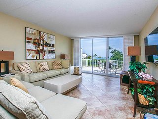 Lighthouse Pointe 215