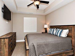 Luxury 3 Bedroom 3 Bathroom Poolside Suite Sleeps Up To 8