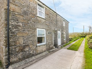 ROSEWELL COTTAGE, character features, great location,  peaceful cottage near St