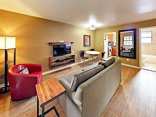 Landmark McMillin Court Apartment #11 – BBQ Lovers Rejoice!