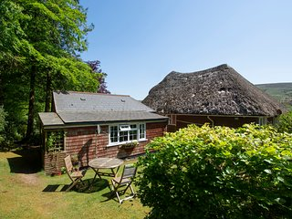 This little Devon retreat is a real gem, having a gate which opens directly on