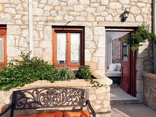 Luxurious Stone Villa 50m from the sandy beach
