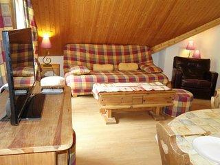 Le Baplieu Apartment Sleeps 4 with WiFi - 5699721