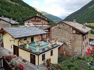 2 bedroom Villa in Crêton, Aosta Valley, Italy : ref 5434759