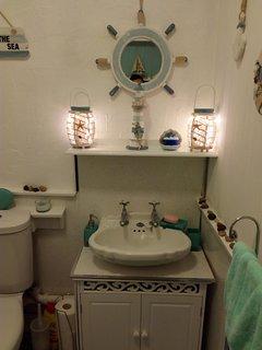 bathroom beach theme