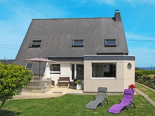 3 bedroom Villa in Kertissiec, Brittany, France : ref 5438303