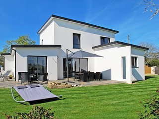 4 bedroom Villa in Plougasnou, Brittany, France : ref 5438295