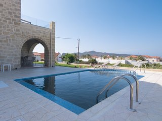 Brand-New Luxury Villa, 200m From Agia Marina Famous Beach Chania