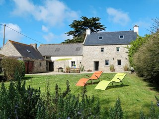 3 bedroom Villa in Plouneour-Trez, Brittany, France : ref 5491048