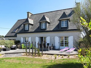 4 bedroom Villa in Plouguerneau, Brittany, France : ref 5438325