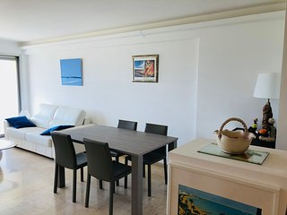 2 Bedrooms, 6 Guests, Parking, Close to Beach, Croisette and Palais des Festival
