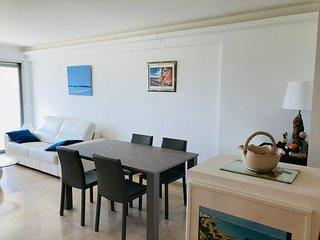 2 Bedrooms, 6 Guests, Parking, Close to Beach, Croisette and Palais des Festival