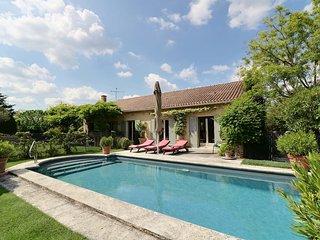 Saint Remy de Provence - village a pied - Piscine chauffee