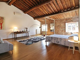 Relax & comfort near Lucca: Wi-Fi,Garden & Parking