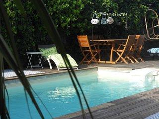 charmante canetoise en bord de mer, piscine chauffee et spa