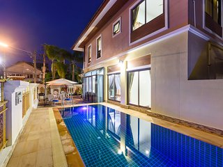 Patong 4 bedroom private pool villa best location