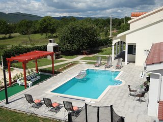 Villa Julia-pool,tenis,football in quiet and rural area, near Split, Croatia