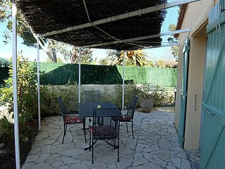 2 bedroom Villa in Saint-Cyprien-Plage, Occitania, France : ref 5083397