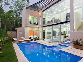Meso Maya  *GORGEOUS NEW HOME* Private Pool, BBQ, Bikes