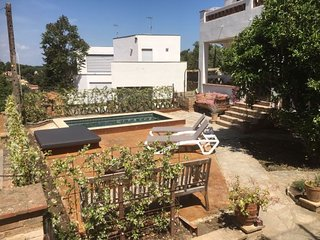 Begur Villa Sleeps 6 with Pool and WiFi - 5341382