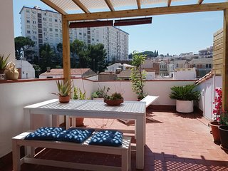 Bright Apartment by the beach, close to Barcelona