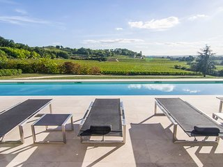 3 bedroom Villa in Sainte-Colombe-en-Bruilhois, Nouvelle-Aquitaine, France : ref