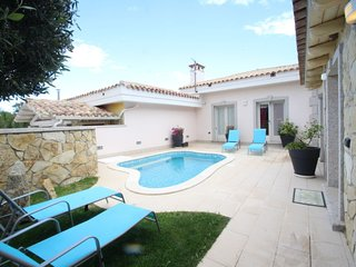4 bedroom Villa in Cala Sinzias, Sardinia, Italy : ref 5697085