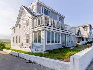 NEW LISTING! Family-friendly, waterfront getaway w/ balcony, & beach access