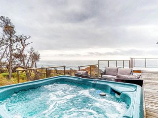 Seaside home w/ magnificent ocean views, private hot tub, & cozy wood stove!