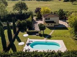 3 bedroom Villa in Chianacce, Tuscany, Italy : ref 5240877