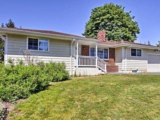 NEW! Private Home w/ Large Yard Near Mt. Rainier!