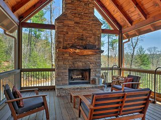 NEW-Fall Branch Lodge Cabin w/Jacuzzi&Mtn Views