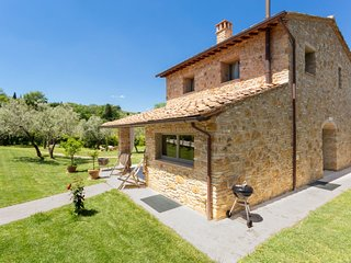 3 bedroom Villa in Luiano, Tuscany, Italy : ref 5696574