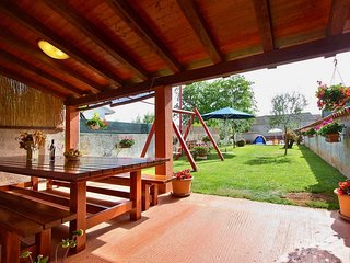 Perfect family Holiday House / pet friendly / playground