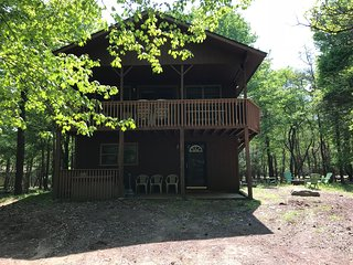 Lake Harmony - Pet Friendly - New to Rentals! 6 Bed / 3 Bath