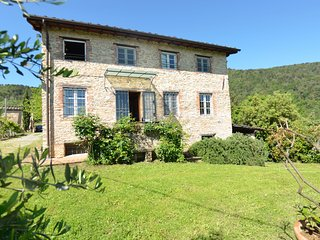 3 bedroom Villa in Vicopelago, Tuscany, Italy - 5404938