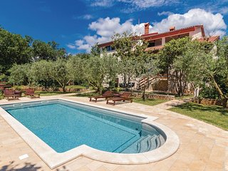 8 bedroom Villa in Ližnjan, Istria, Croatia : ref 5564794