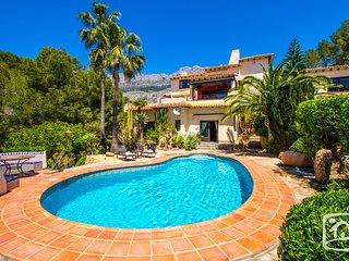 7 bedroom Villa in Calpe, Valencia, Spain : ref 5401539