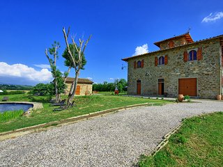 6 bedroom Villa in Poschini, Tuscany, Italy : ref 5627049