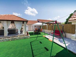 2 bedroom Villa in Sukosan, Zadarska Županija, Croatia : ref 5609444