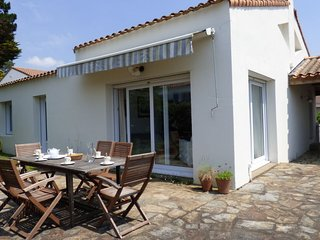 2 bedroom Villa in Pornic, Pays de la Loire, France : ref 5046663