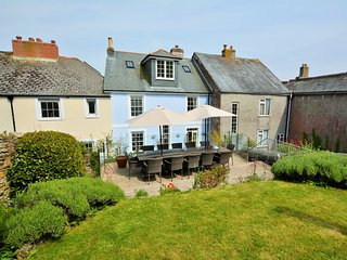 59006 House situated in Cawsand