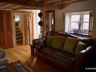 Castle Street Cottage - Ruthin - Sleeps 4 - Adults Only