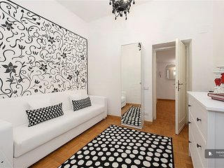 Sparkling 3 bedroom Apartment in Rome  (FC7261)
