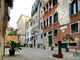 Sparkling 2 bedroom Apartment in Venice  (FC1756)