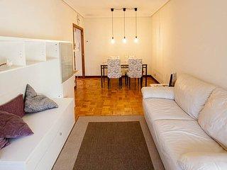 4U CENTRO Confortable, amplio, luminoso y tranquilo apartamento con Wifi.