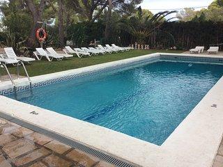Alquilo Villa  en Lametlla de mar Tarragona  amueblad complet.  piscina  8 perso